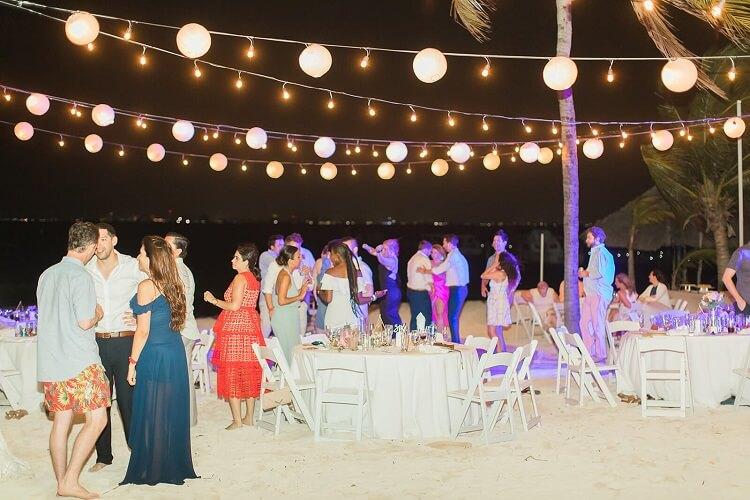 Isla Mujeres Beach Reception