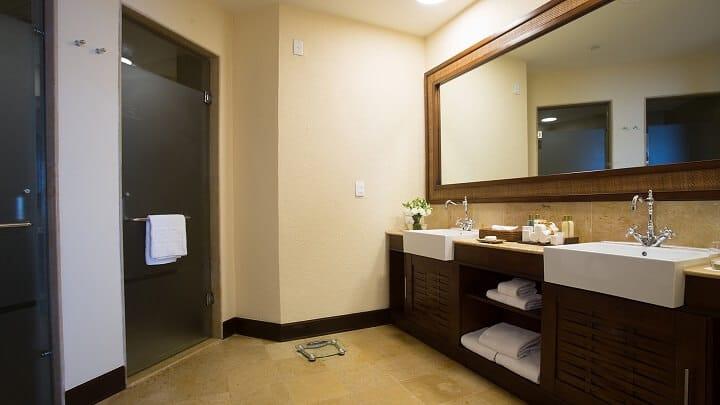 Preferred Club Ocean Front Master Suite Bathroom - Dreams Riviera Cancun