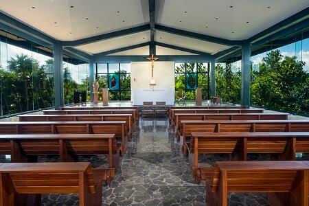Atelier and Estudio Catholic Chapel