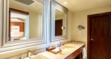 Governor Suite Bathroom - Moon Palace Cancun