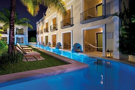 Preferred Club Deluxe Garden Swimout Pool at Night