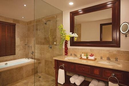 Preferred Club Junior Suite Garden View - Bathroom