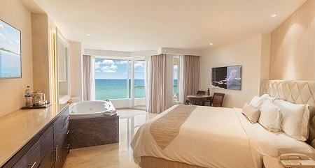 Superior Deluxe Ocean Front Room - Moon Palace Cancun