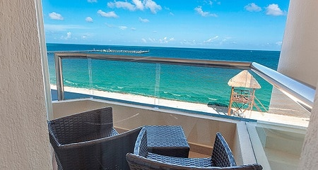 Superior Deluxe Ocean Front Room View - Moon Palace Cancun
