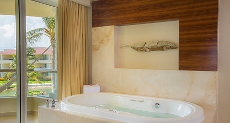 Superior Deluxe Ocean View Tub - Moon Palace Cancun