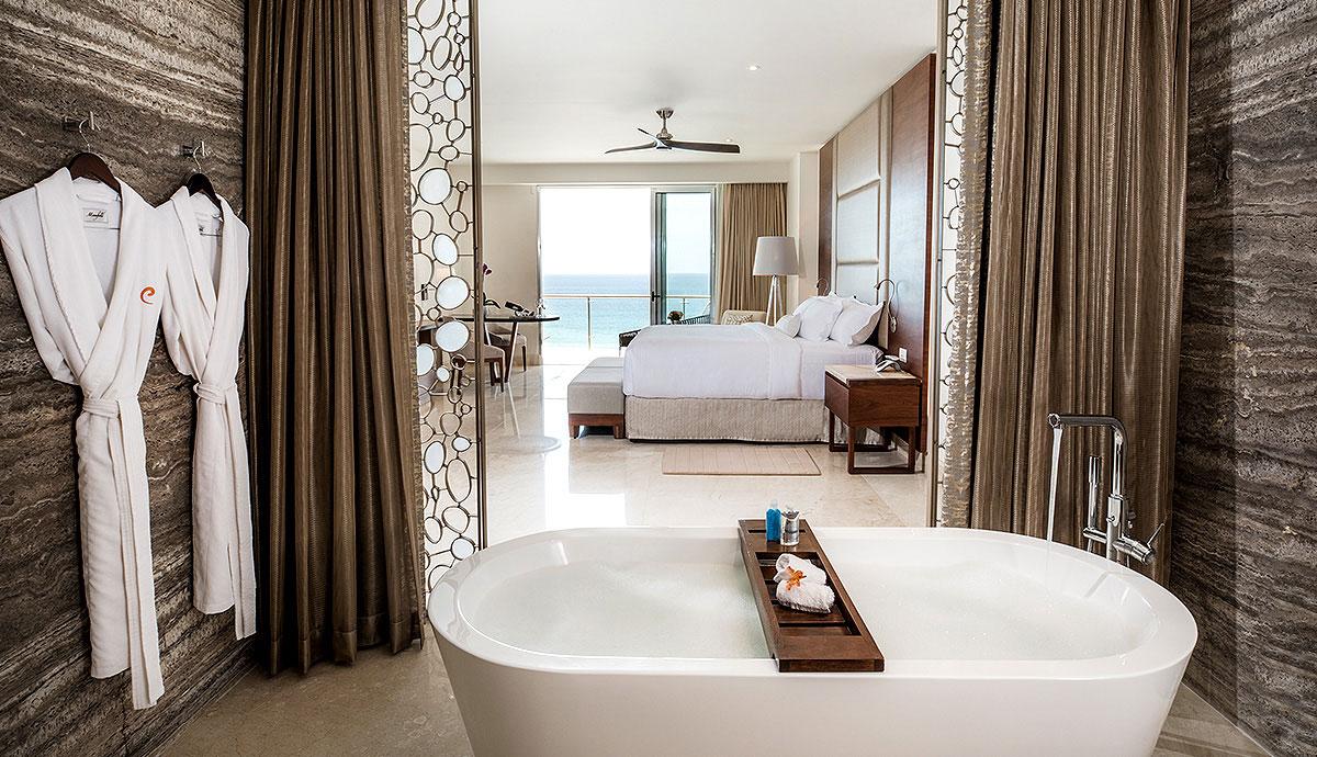 Royale Governor Suite - Bath