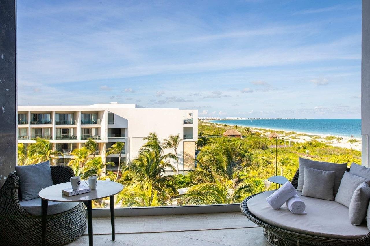 TRS Coral - Junior Suite Beachfront Ocean View